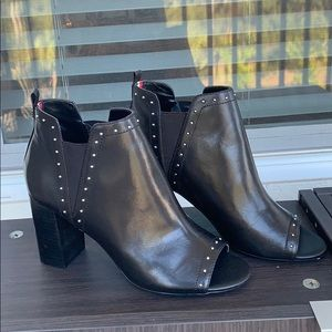 Leather Tommy Hilfiger booties